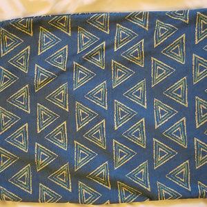 LulaRoe Cassie M Gray Blue w/Cream Teal Triangles